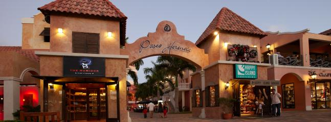 The Paseo Herencia Shopping mall is an outdoor shopping mall with local shops and cosy restaurants