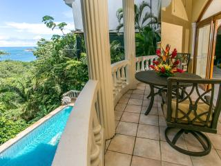 1 BR Apt in B&B-style Villa, Sea-Views & Location!, Parque Nacional Manuel Antonio