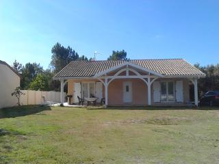 Casa chalet en las Landas a 5 km de la playa, Mimizan