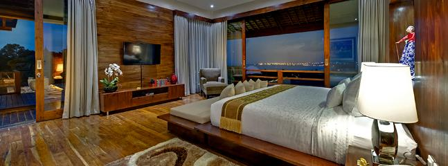 Villa Aiko - Elegant master bedroom