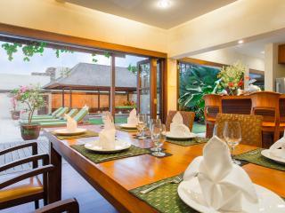 Bali Holiday Villa 27044