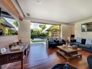 Bali Holiday Villa 27049