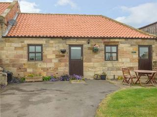 BROADINGS COTTAGE, pet friendly, character holiday cottage, with a garden in Whi
