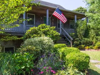 MELAF - Sparrow Lane House,  Newly Furnished,  Sleeps 7, Spacious Deck and Covered Porch both Overlook Lovely Landscaped Yard, AC  in 3 Bedrooms, Edgartown