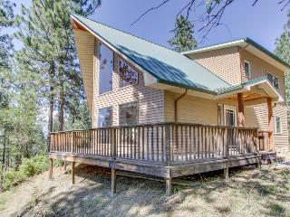 Gorgeous home on scenic Spokane River w/ dog-friendly accommodations, Post Falls