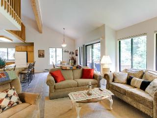 Fantastic 3BR condo with loft & resort attractions, McCall