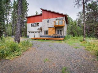 Modern and spacious lakeview cabin near Lake Cascade w/modern design!, Donnelly