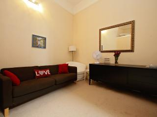 1 bedroom flat 4 accommodate people, London