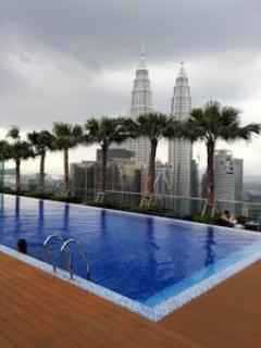 1Min Walk KLCC Luxury Suites for 6