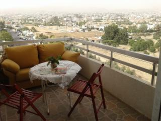 2 bedroom Apt by the beach in Centre of Limassol