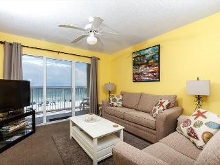 GD 404:PANORAMIC VIEWS, FREE BEACH SERVICE, RIGHT ON BEACH, BOOK NOW!