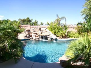 Luxury Retreat South of Strip, Las Vegas