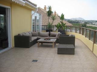Penthouse with large roof terrace and view, Moraira