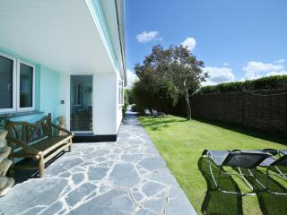 Faraway - Stunning house within easy walking distance of the beach and town