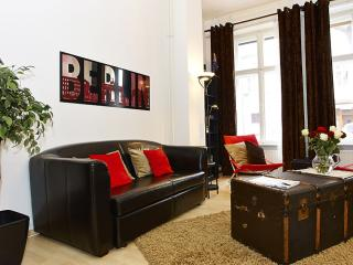 Spacious Prenzlauer Place apartment in Prenzlauer Berg with WiFi & lift.