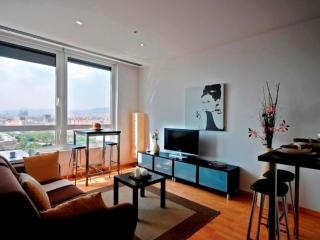 Seaviews 2 apartment in Poblenou with WiFi, airconditioning & lift., Barcelona