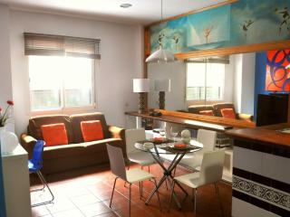 Sol apartment in Casco Antiguo with WiFi, airconditioning (warm / koud) & lift.