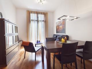 Plaza Cataluña apartment in Eixample Dreta with WiFi, airconditioning, balkon, Barcellona