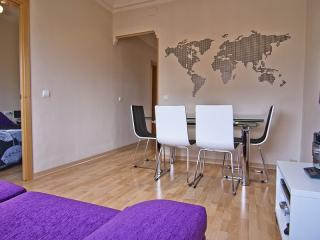 Plaza España apartment in Raval with WiFi, balkon & lift., Barcelona