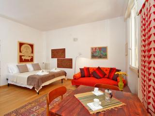 Silveri Vatican apartment in San Pietro with WiFi, airconditioning, balkon, Roma