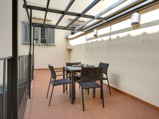 Cupolone apartment in Duomo with WiFi, airconditioning & privéterras., Florence