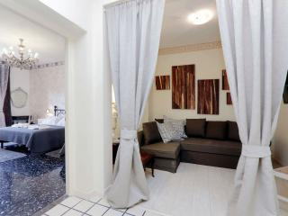 Marcello apartment in Termini Stazione with WiFi & balcony.