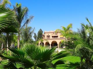 VILLA DE PRESTIGE 4 SUITES 8 PERSONNES, Marrakech
