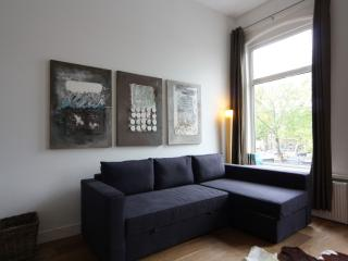 Stadhouderskade apartment in De Pijp Noord with WiFi & balkon., Amsterdam