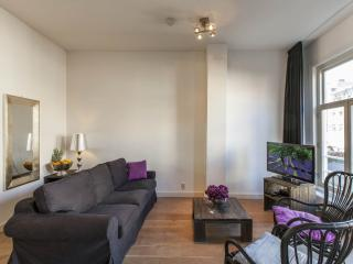 Spacious Tulip Suite B apartment in Oosterpark with WiFi & balkon., Ámsterdam