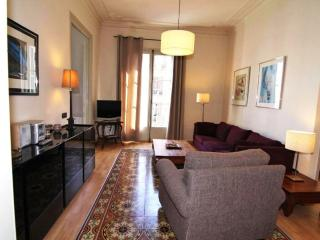 Gaudí 5 apartment in Eixample Dreta with WiFi, airconditioning, balkon & lift., Barcelona