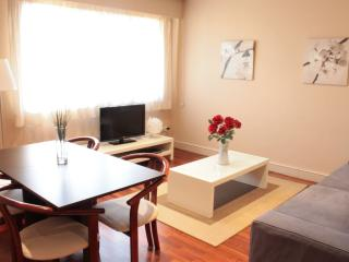 Batllo 5 apartment in Eixample Dreta with WiFi, air conditioning & lift.