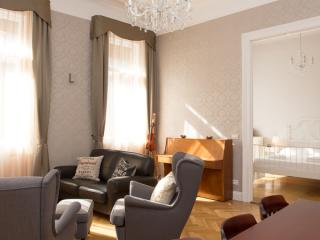 Mozart apartment in VI Terezvaros with WiFi & lift.