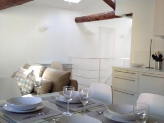Beautiful Apartment in old town of Villefranche