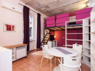 Violet Suite, Rome