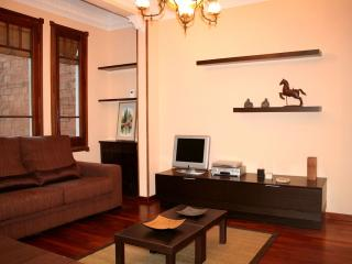 Gran Sagrada Familia apartment in Eixample Dreta with WiFi, balkon & lift.