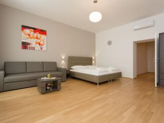 Koller Royal Studio apartment in 03. Landstrasse with WiFi, airconditioning