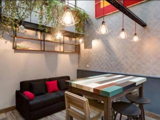 Maistre Montmartre apartment in 18eme - Montmartre with WiFi & airconditioning.