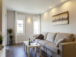 Gaudir apartment in Eixample Dreta with WiFi, airconditioning, balkon & lift.