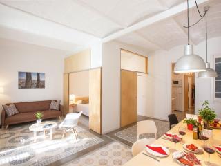 Sagrada Familia Balcony apartment in Eixample Dreta with WiFi, balkon & lift.