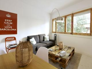 Galileu Calm apartment in Les Corts with WiFi, airconditioning & lift.