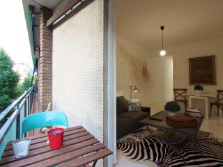 Galileu Balcony apartment in Les Corts with WiFi, airconditioning, balkon & lift., Barcelona