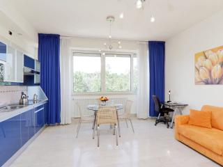 Lavinia Termini apartment in Porta Maggiore with WiFi, airconditioning & lift.