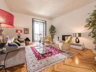 Apartamento Plaza Santa Ana, Madrid