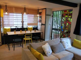 Jardin du Luxembourg apartment in 05ème - Quartier Latin with WiFi & gedeeld terras., París