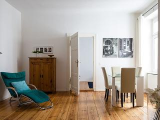 Matisse apartment in Mitte with WiFi., Berlín
