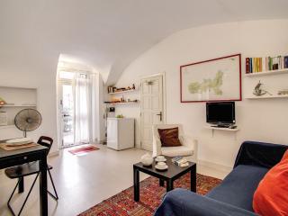 Piccolo Chiavari apartment in Centro Storico with WiFi.