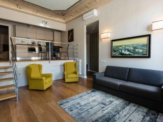 Piazza Santa Croce apartment in Santa Croce with WiFi & airconditioning., Florence