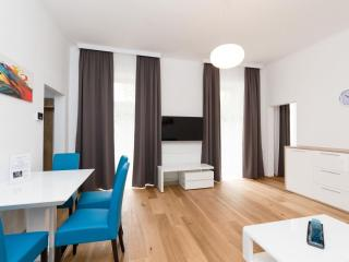 Vereins Air Aqua apartment in 02. Leopoldstadt with WiFi, balcony & lift.