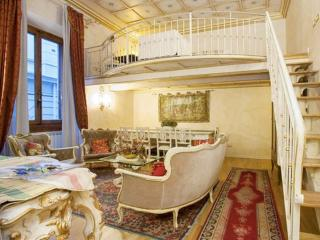 Medici Suite apartment in Duomo with WiFi, airconditioning & lift.