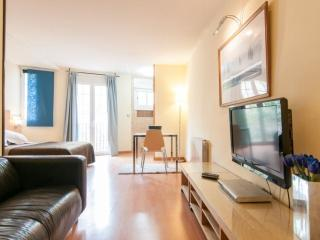 Riera de Sant Miquel III apartment in Gracia with WiFi & integrated air conditio